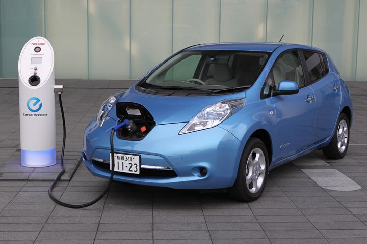 電気自動車「日産 リーフ」 外観画像[画像は日本仕様車]  新たな歴史の瞬間! EV(電気自動車