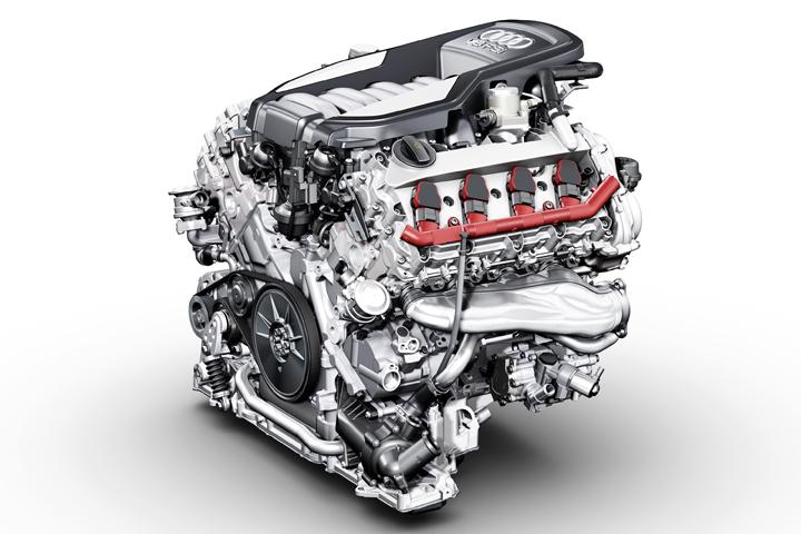 新開発 V8 4.2リッター ガソリン直噴FSIエンジン
