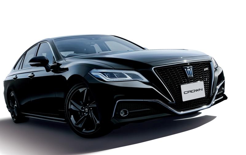 国内専用車としての価値をアピールするクラウン トヨタは、主力セダンである...