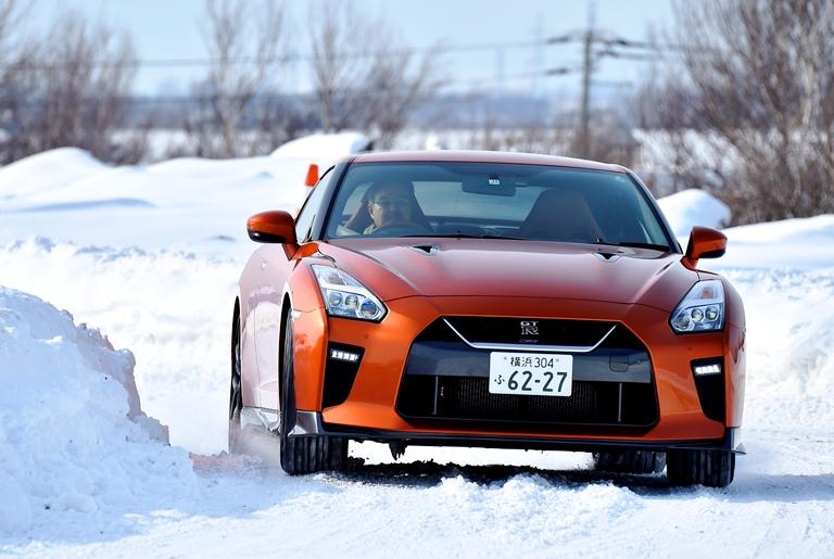 日産車、雪上試乗評価 雪道では安心・安定傾向が一番!