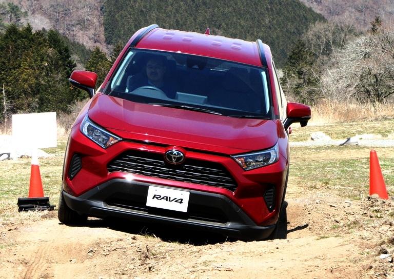 再び日本マーケットにチャンレンジを開始した新型トヨタRAV4 初代トヨタRAV4は、ク...